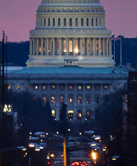 США завершили фискальный год с дефицитом в $666 млрд