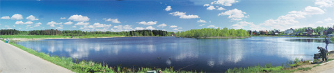 Озеро в поселке Зверосовхоз