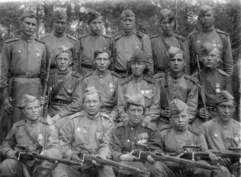 Убил 324 немца и стал опером СМЕРШа