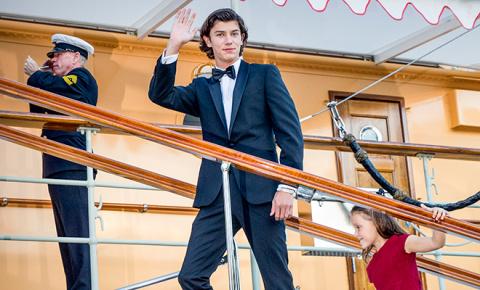 Принц Николай отметил 18-летие на роскошной яхте своей бабушки - королевы Дании Маргрете II