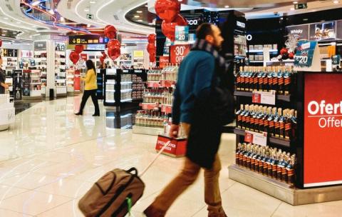Хитрый способ, которым аэропорты заставляют нас тратить в Duty Free гораздо больше