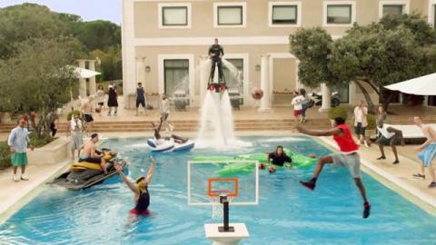 Как развлекаются баскетболисты