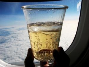 Как законно выпить на борту самолёта