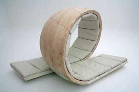 А такая кровать удобная?)