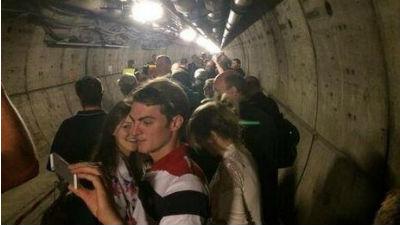 Под Ла-Маншем застрял поезд