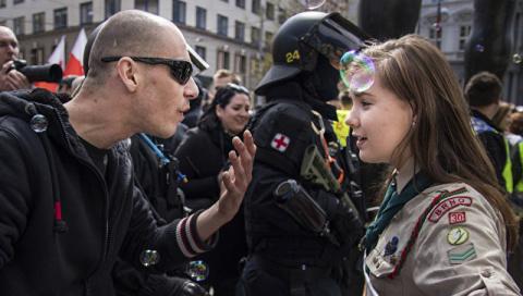 Девушке из Чехии, выступившей против нацистов, угрожают расправой
