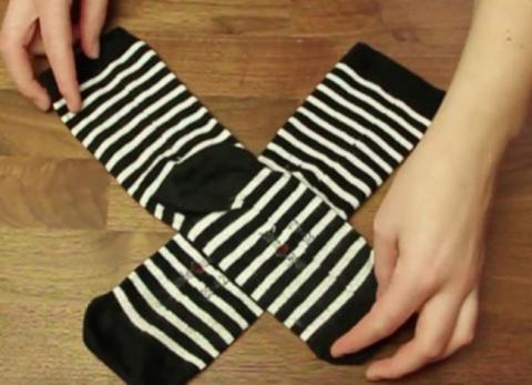 Я всю жизнь складывал носки …
