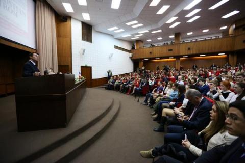 Мэр Ниццы Кристиан Эстрози вступился за Россию и начал писать в Twitter по-русски