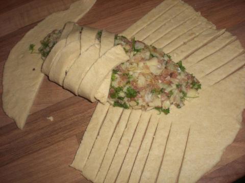 Мой новый балиш или пирог с картошкой, фаршем мясным. грибами и луком в тесте по методу Людмилы Головченко...