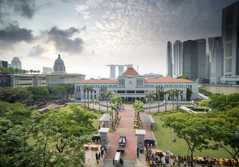 Сингапур временно остановил …