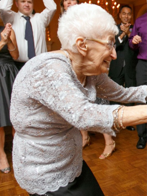 Эта 85-летняя бабушка до неу…