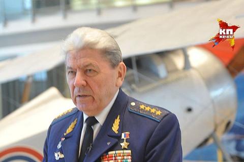 Умер экс-главком ВВС России Петр Дейнекин