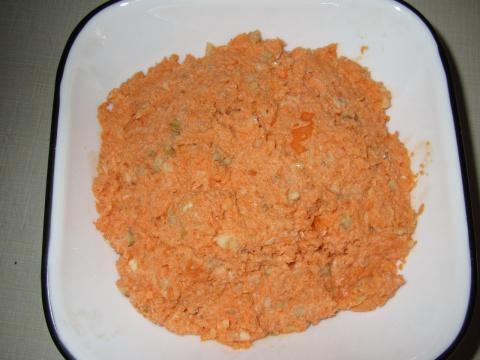 Морковка с орехами и чесноком