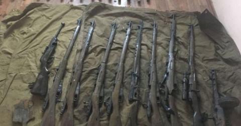 На борту поднятого бронекатера БК-31 найдено большое количество оружия