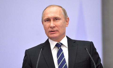 Путин объявил в России Десят…