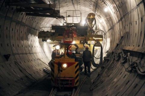 В Санкт-Петербурге завершена проходка тоннеля метро до станции «Театральная»
