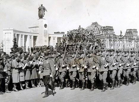Зачем Сталин в 1946 году пер…