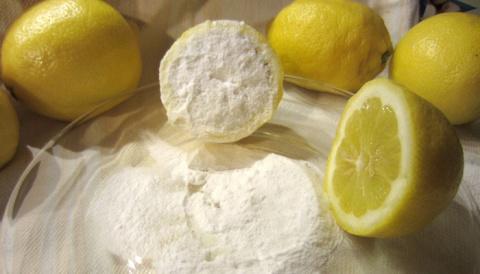Это не шутка!! Половина лимона погруженного в пищевую соду. Это невероятно, что можно сделать для вашего тела всего за 5 минут!