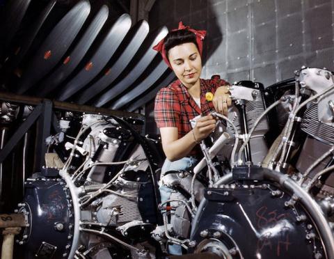 Женщины 40-х, делающие самолеты