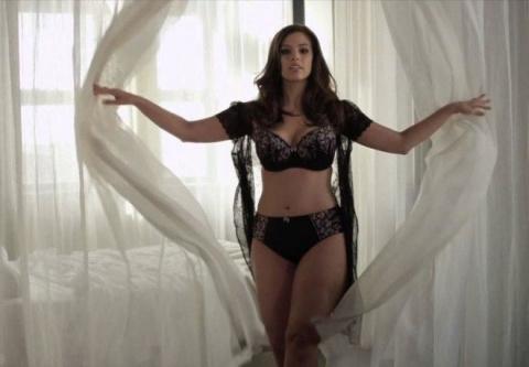 Модель plus-size претендует стать новой девушкой Бонда. Сложнее с самим агентом 007