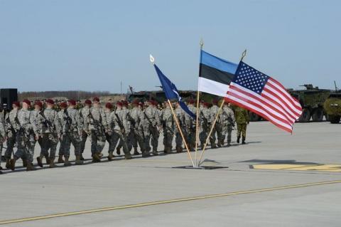 Почему российские дипломаты покидают Эстонию?