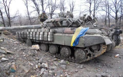 В ожидании мира: на востоке Украины продолжаются артобстрелы
