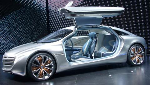Что скрывает Mercedes?