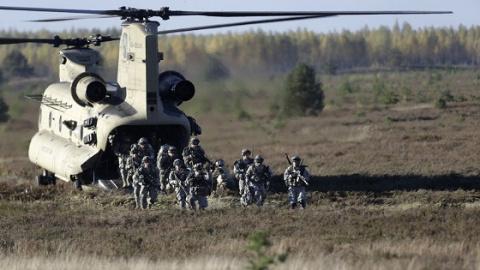 Новости мира: рядом с границей России начались международные военные учения