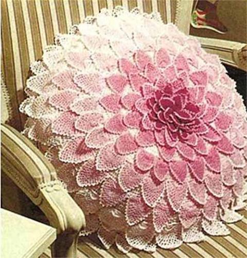 подушка цветок с ажурными лепестками