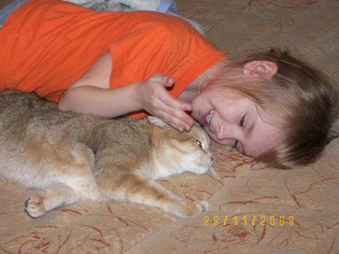 Дочка и кошка