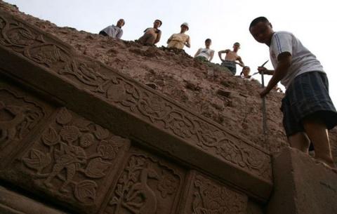 В китайской гробнице нашли м…