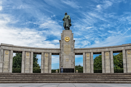В Берлине мужчина помочился …