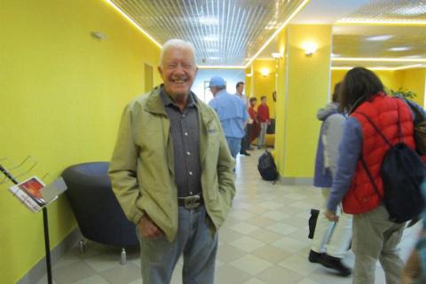 Бывший президент США Джимми Картер прилетел в Мурманск чтобы недельку спокойно порыбачить !!!