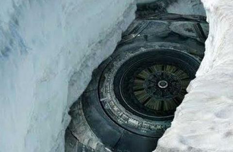 Во льдах Антарктиды похороне…