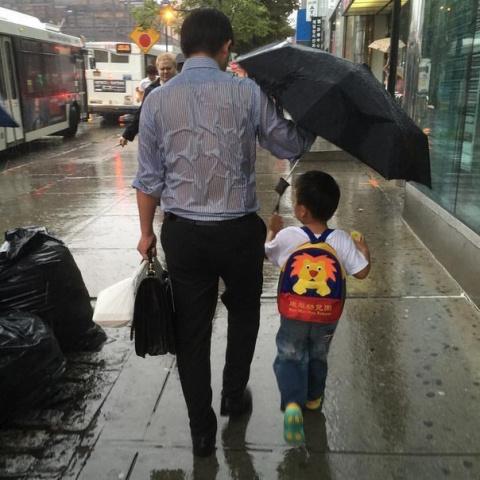 Настоящий отец...