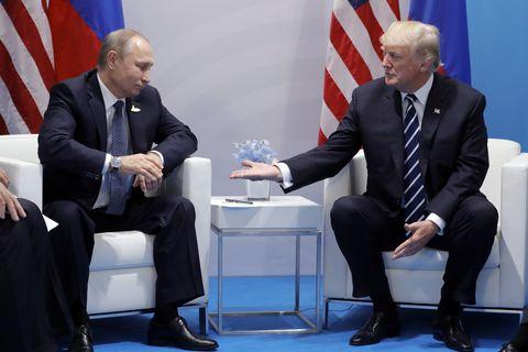 Макрон и Трамп признали пора…