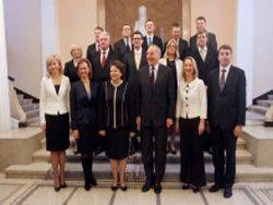 Новое правительство Латвии снова взялось за русские школы