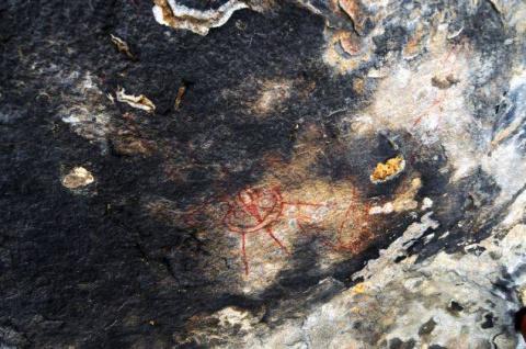 В Индии найдены доисторические наскальные рисунки, похожие на изображения НЛО и инопланетян