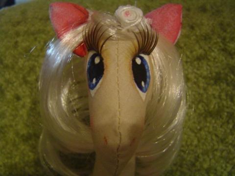 Лошадка в стиле тильда для самых любимых и небольшой мастер-класс по рисованию глаз. Мягкая игрушка. Мастер-класс. Конкурс.