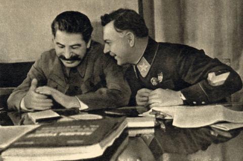 Почему Сталин прощал Климент…