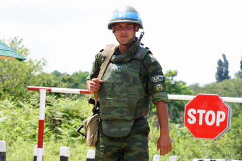 «На голубом глазу»: генерал США заявил, что миротворцы на Донбассе смогут пересекать границу с Россией