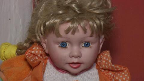 Семья из Перу боится куклы, …