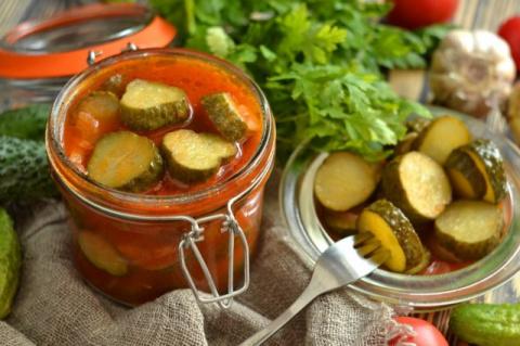 Салат из огурцов на зиму «Простой»