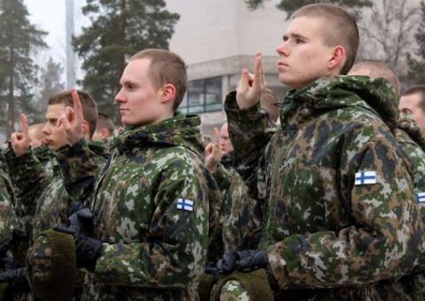 «Страну толкают к НАТО»: в Ф…