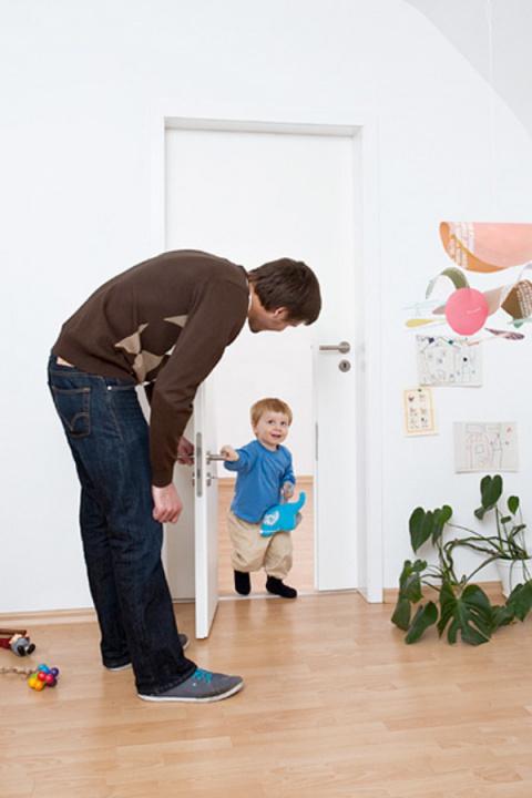 Маленькая дверь для детей