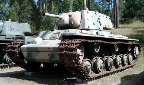 Бронетанковым войскам - 100 лет !!!