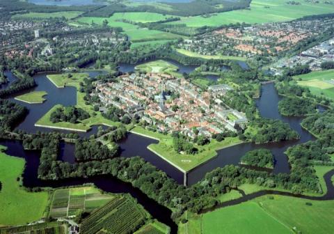 Наарден (Naarden) – город–крепость