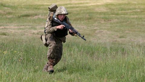 Новости Украины: при взрыве инженерного боеприпаса ранения получили 8 солдат