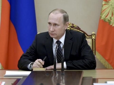 Россияне оценили Путина