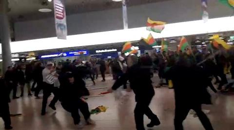 Курдские демонстранты и турки устроили драку в аэропорту Ганновера